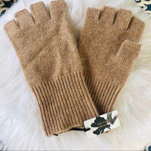 100% Cashmere Women's Fingerless Gloves, NWT